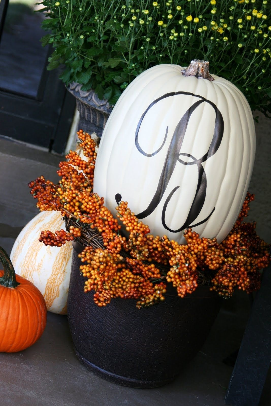 Fall decorating and entertaining series outdoor fall Fall outdoor decorating with pumpkins