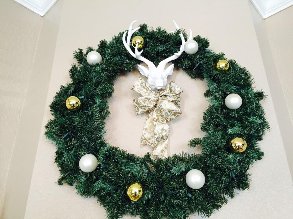 tamela wreath mantle