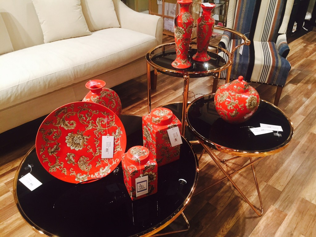 wtc red and black gold tables