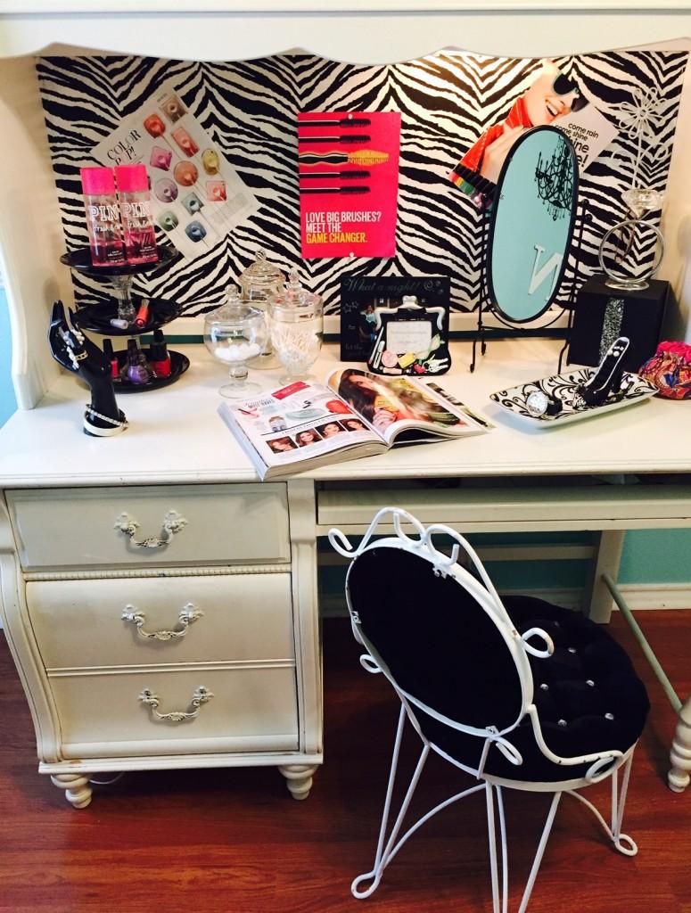 dressing table fullview